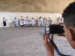 Convivente fotografa ação INSIDE OUT no Anhangabaú